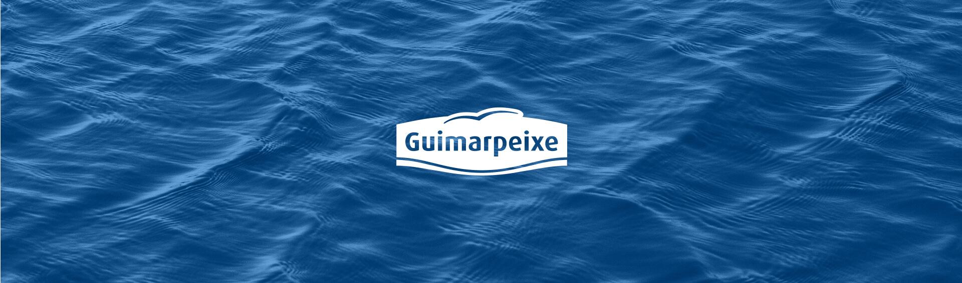 Logo da Guimarpeixe sob background do mar