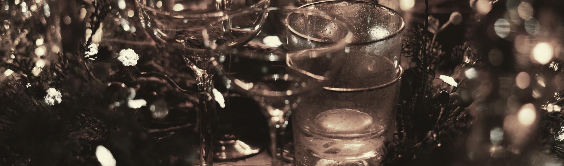 Background copos de vinho usados