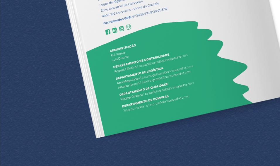 Página de contactos em catálogo Novegi